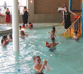 Erister Egg Hunt in the pool